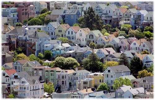 Castro, sub-bairro de Eureka Valley em São Francisco. Lugar onde se passa a história. [Foto de James Gaither: http://www.flickr.com/photos/jim-sf/2586357042/]