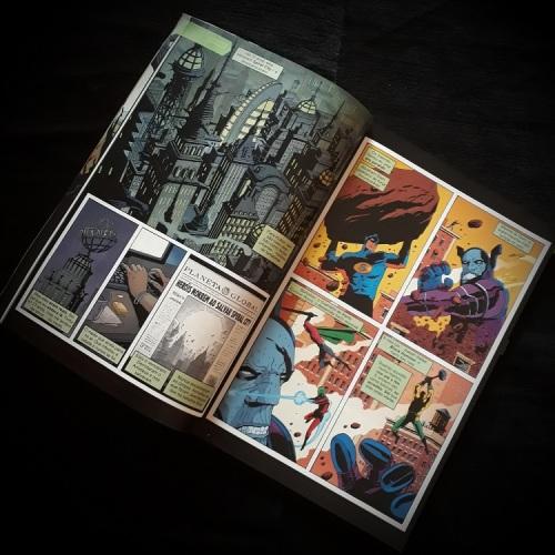 be02146930b O primeiro volume reúne os seis primeiros fascículos da série. Fazendo jus  ao título deste primeiro volume